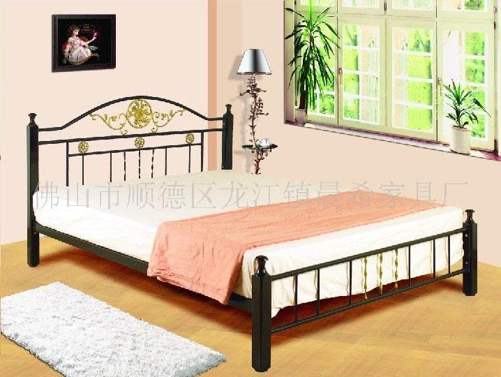 大量钢木床,铁架床,欧式豪华大床