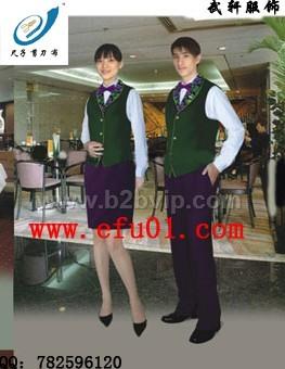 欧式风格餐厅员工制服—独具一格设计西餐厅服务员服